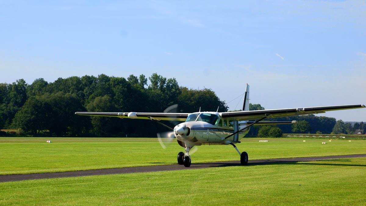 Cessna Caravan Review - Cessna Caravan on Runway