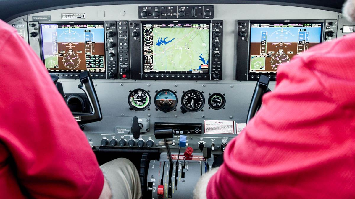 Cessna Caravan Review - Interior Panel, Pilot View